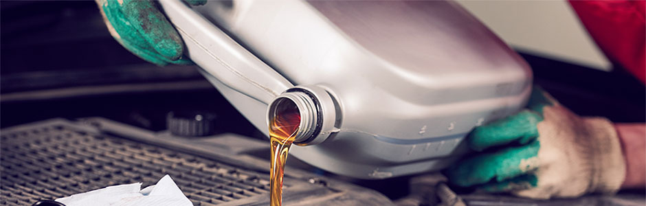 oil servicing on a car